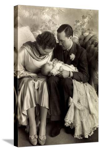 Prinzessin Juliana, Prinz Bernhard, Beatrix--Stretched Canvas Print