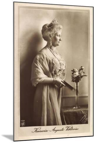 Kaiserin Auguste Viktoria, Npg 4510, Krone, Kette--Mounted Giclee Print