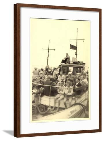 Foto Norderney Nordsee, F?hre Vineta, Passagiere--Framed Art Print