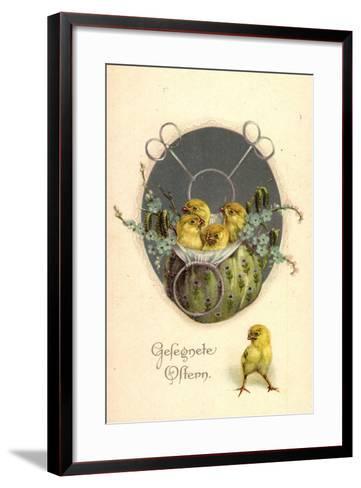 Glückwunsch Ostern, Küken in Einem Beutel--Framed Art Print