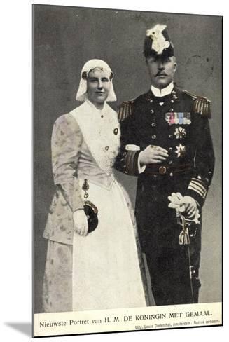 Koningin Wilhelmina Met Gemaal, Niederlande--Mounted Giclee Print