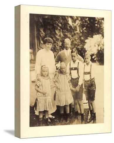 Foto Kronprinz Wilhelm Von Preußen Mit Kindern--Stretched Canvas Print