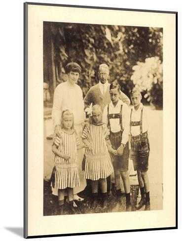 Foto Kronprinz Wilhelm Von Preußen Mit Kindern--Mounted Giclee Print
