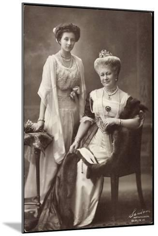 Kaiserin Auguste Viktoria, Prinzessin Viktoria Luise--Mounted Giclee Print