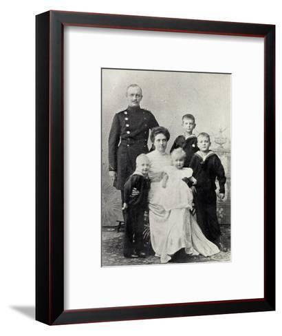 Kronprinz Friedrich August V Sachsen Mit Familie--Framed Art Print