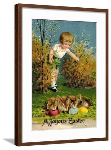 Frohe Ostern, Junge Entdeckt Osterhasen, Ostereier--Framed Art Print