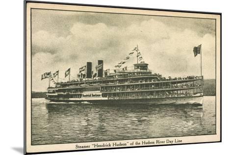 Dampfer Hendrick Huson, Hudson River Day Line--Mounted Giclee Print