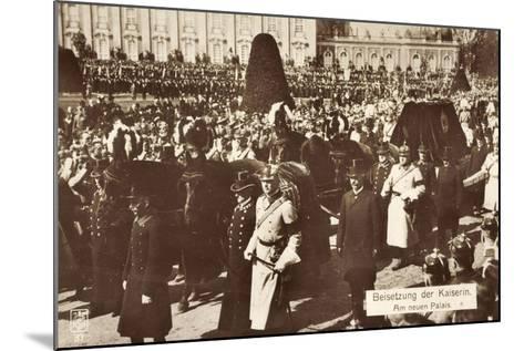 Beisetzung Der Kaiserin Auguste Viktoria 1921--Mounted Giclee Print