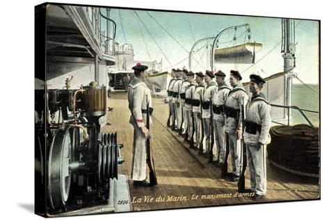 Marineleben, Bewaffnete Soldaten Auf Dem Schiff--Stretched Canvas Print