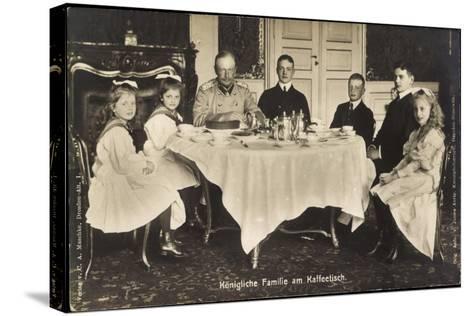 Friedrich August Iii Von Sachsen, Familie, Tisch--Stretched Canvas Print