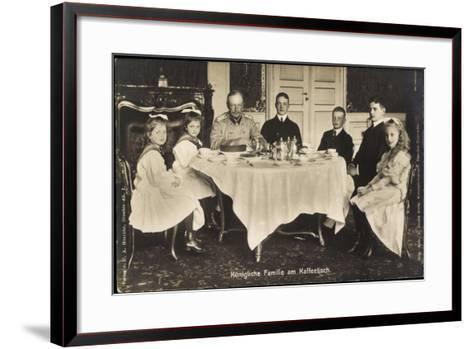 Friedrich August Iii Von Sachsen, Familie, Tisch--Framed Art Print