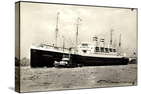Hapag, Dampfschiff Albert Ballin Am Hafen, Schlepper--Stretched Canvas Print