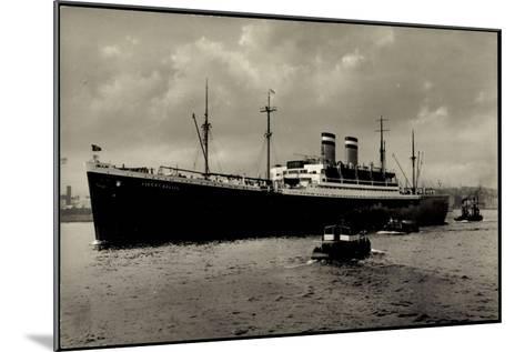 Hapag, Dampfschiff Albert Ballin Vor Anker, Kutter--Mounted Giclee Print