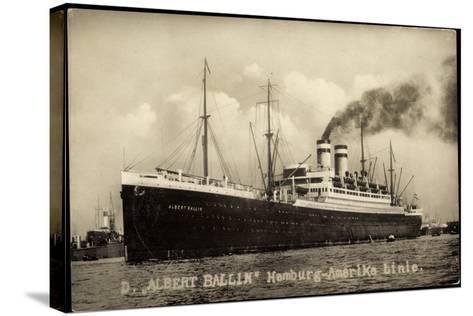 Foto Hapag, Dampfschiff Albert Ballin, Rauch--Stretched Canvas Print