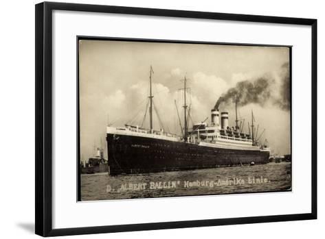 Foto Hapag, Dampfschiff Albert Ballin, Rauch--Framed Art Print