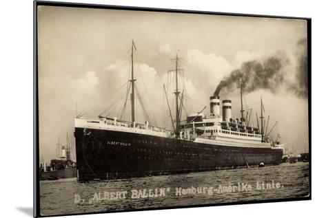 Foto Hapag, Dampfschiff Albert Ballin, Rauch--Mounted Giclee Print