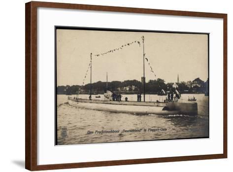Das Frachttauchboot Deutschland in Flaggen Gala--Framed Art Print