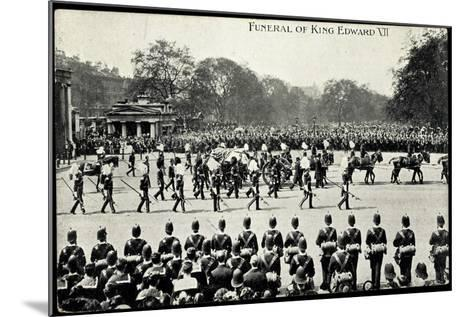 Funeral of King Edward 7, 20th May 1910, Gun Carriage--Mounted Giclee Print