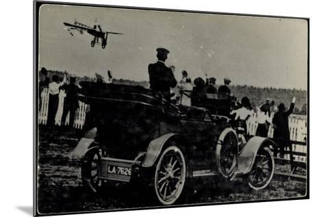 Kunstflieger, Zuschauer, Automobil, La 7626--Mounted Giclee Print