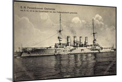 S. M. Panzerkreuzer Gneisenau, Falklandinseln 1914--Mounted Giclee Print