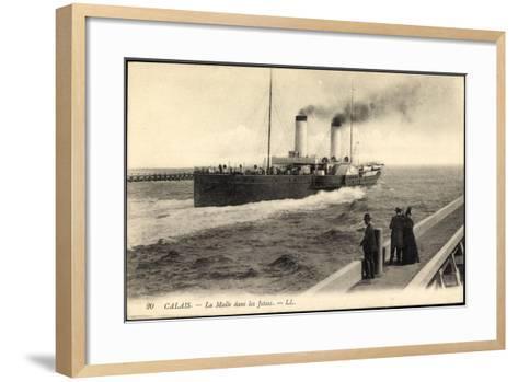 Calais, Dampfschiff La Malle, Menschen Auf Dem Steg--Framed Art Print