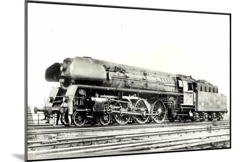 Foto Deutsche Einheitslok Nr. 01 502, Tender--Mounted Giclee Print