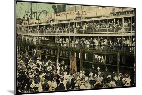 S.S. Eastern States, D&B Line, Dampfschiff--Mounted Giclee Print