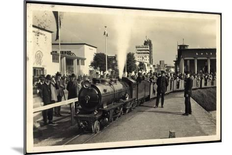 Düsseldorf, Große Ausstellung 1926, Liliput Dampflok--Mounted Giclee Print