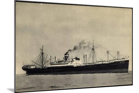 Hapag, S.S. Duivendijk, Dampfschiff, Rauch--Mounted Giclee Print