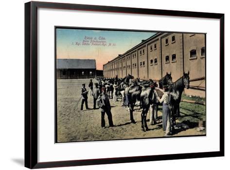 Riesa Elbe, Soldaten Beim Pferdeputzen Im Kgl, Sächs, Feldartellerie Reg, 32--Framed Art Print