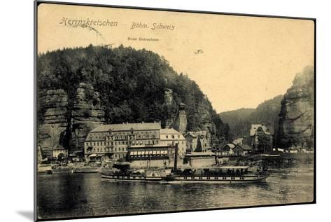 Herrnskretschen Ùstecký Kraj, Dampfer Koenigin Carola--Mounted Giclee Print