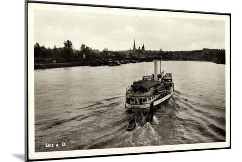 Linz Donau Oberösterreich, Der Dampfer D. D. S. G.--Mounted Giclee Print