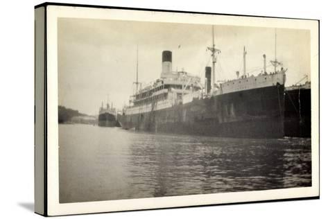 Foto Vasari, Lamport and Holt Line, Dampfer, Steamer--Stretched Canvas Print