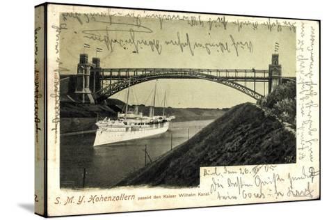 Das Kriegsschiff Smy Hohenzollern Unter Brücke--Stretched Canvas Print