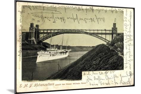 Das Kriegsschiff Smy Hohenzollern Unter Brücke--Mounted Giclee Print