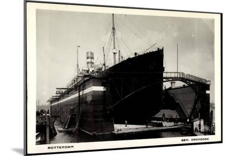 Rotterdam, Dampfschiff in Der Schwimmenden Werft--Mounted Giclee Print