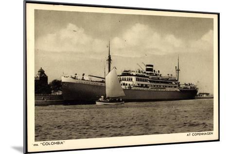 Kpm Line, Dampfer Colombia Am Hafen Von Kopenhagen--Mounted Giclee Print