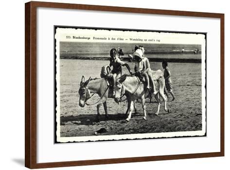 Blankenberge Westflandern, Promenade À Dos D'Âne, Kinder Auf Esel--Framed Art Print