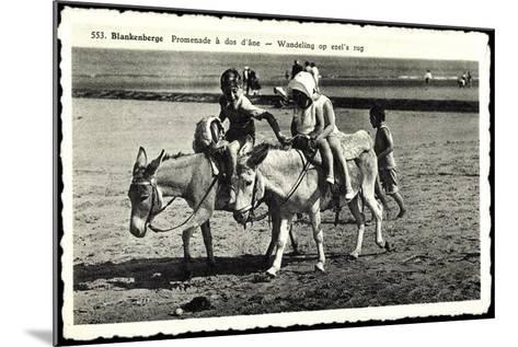 Blankenberge Westflandern, Promenade À Dos D'Âne, Kinder Auf Esel--Mounted Giclee Print