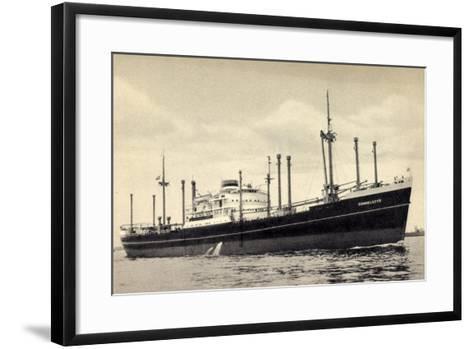 Hapag, Dampfschiff M.V. Sommelsdyk Nah Am Ufer--Framed Art Print