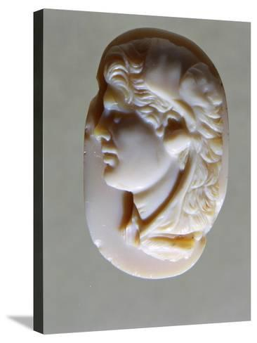 Hellenistic Cameo in Agate with Head of Alexander the Great, 4th-1st Century BC--Stretched Canvas Print