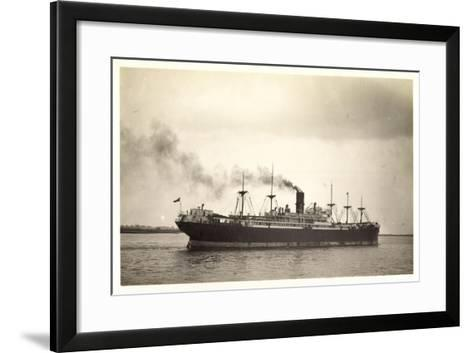 Foto Clan Line, Clan Urquhart, Steamer En Route--Framed Art Print