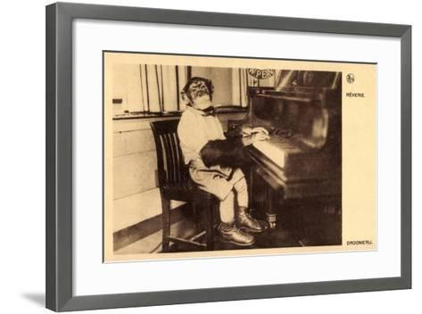 Portrait Eines Schimpansen, Der Klavier Spielt--Framed Art Print