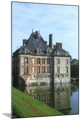 France, Ile-De-France, Ormesson-Sur-Marne, Castle of Ormesson, 16th Century--Mounted Giclee Print