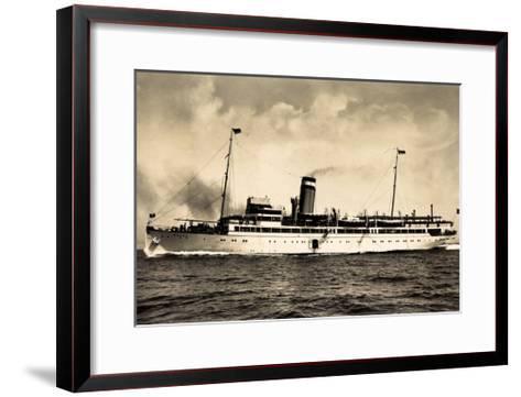 Hapag, Seebäderdienst, Dampfschiff Cobra in Fahrt--Framed Art Print