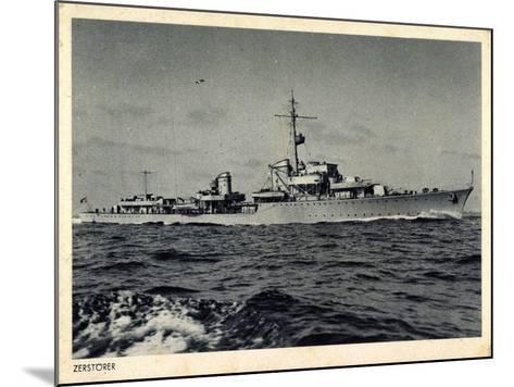 Deutsches Kriegsschiff, Zerstörer in Fahrt, Wellen--Mounted Giclee Print