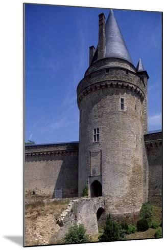 View of Chateau De La Groulais, Blain, Brittany, France, 13th-16th Century--Mounted Giclee Print