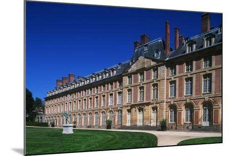 France, Ile-De-France, Fontainebleau, 16th Century Fontainebleau Palace--Mounted Giclee Print