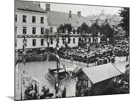 Arrival of the New Norwegian King Haakon VII in Bergen, 1906--Mounted Giclee Print