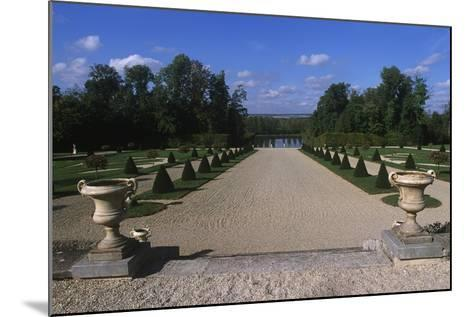 France, Champagne-Ardenne, Park at La Motte-Tilly Castle--Mounted Giclee Print